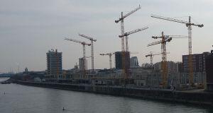 Der Zollhof während des Baus der Rhein-Galerie